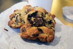 Levain_Chocolate_Chip_Cookie_2