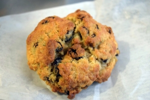 Levain_Oatmeal_Raisin_Cookie
